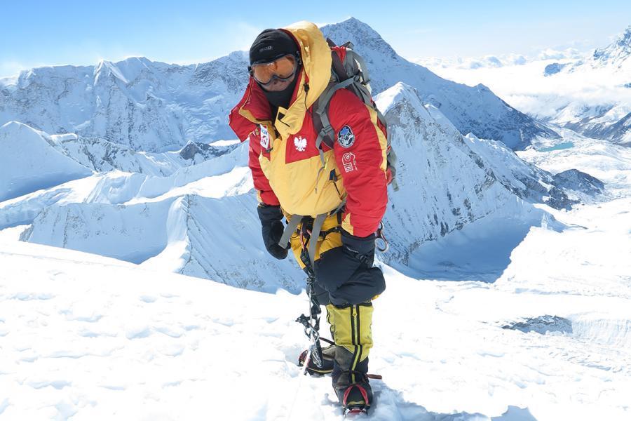 Baruntse Expedition (7129m)