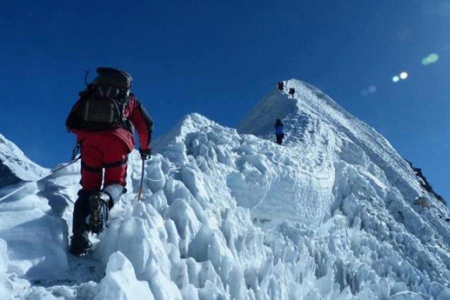 Island Peak Climb with Three Passes Trek