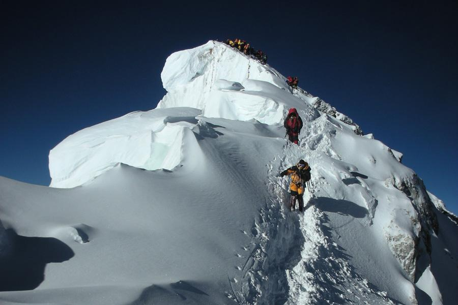 Mount Everest North Summit : entry /exit Zhangmu