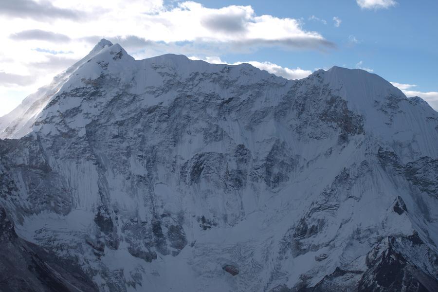 Pokhalde Peak Climbing (5806m)