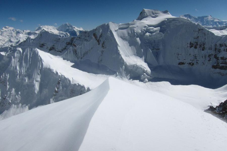 Saribung Peak and Chulu Exploration