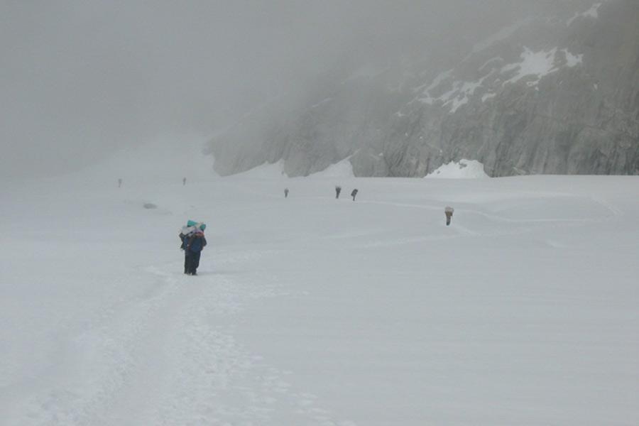 Amphu Lapcha Pass