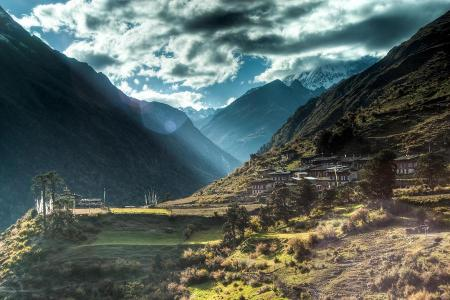 Laya: A Classical Trekking